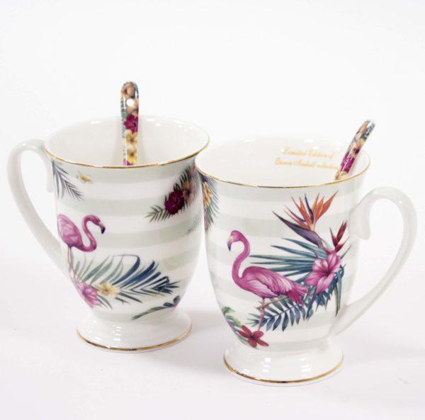 puodeliai su flamingais